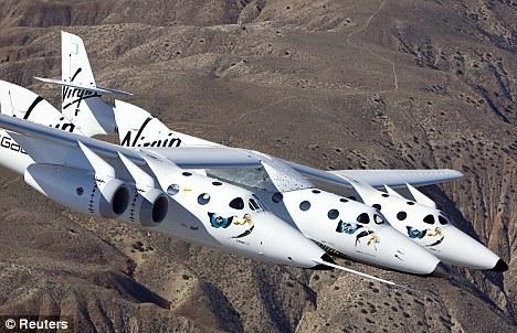 """太空旅游也许就在不远的将来。去年,维珍银河公司的""""太空船二号""""在加州沙漠中进行了首飞"""