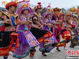 少数民族文化得到保护、繁荣和发展