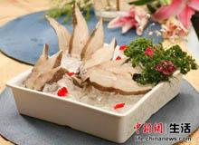 海鲽鱼是比目鱼的一种,肉质滑爽且无刺,而且营养价值极高