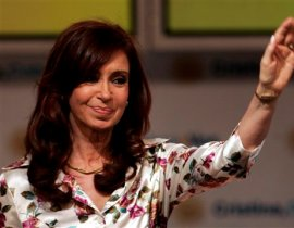 """阿根廷有一位获称""""21世纪贝隆夫人""""(艾薇塔-贝隆)的女总统――克里斯蒂娜-费尔南德斯。作为该国史上首位民选女总统,和所有阿根廷人一样,她从内心深处希望提升本国的影响力和国际发言权。"""