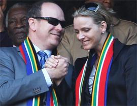在摩纳哥阿尔贝二世亲王宣布与南非前奥运游泳选手查伦-维特施托克订婚后,南非各大媒体纷纷在头版报道,并预测他们将举行一场童话般的婚礼。