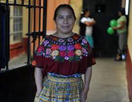 """危地马拉首都危地马拉市女子监狱举行了一场选美比赛,西班牙犯人Karen Espana力压群芳获得最美""""监狱小姐""""。"""