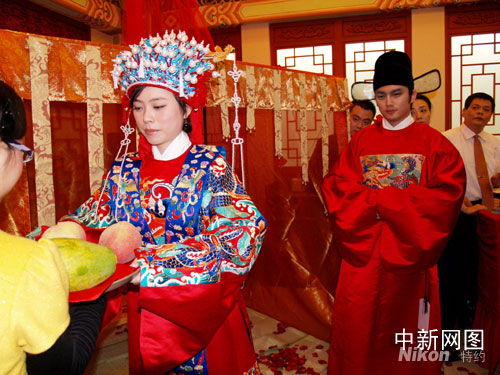 Ming-standard wedding in Beijing, Oct 4, 2008.