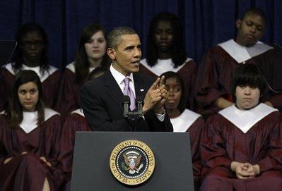 奥巴马演讲 身后打盹男孩! - 苦其心志 - 文不足取,赏者自鉴