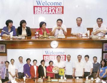 菲律宾侨中学院喜迎暨大访问团冀加强华教合作