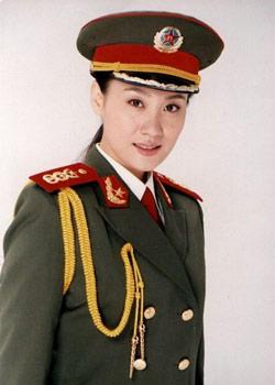 有爱心的军旅女歌手谭晶
