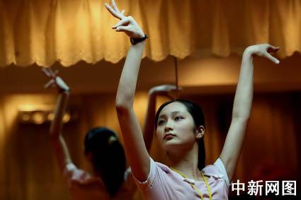 绝对首见:中国记者在朝鲜拍到的泳装美女(图)