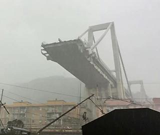 意大利一高速公路大桥发生断裂