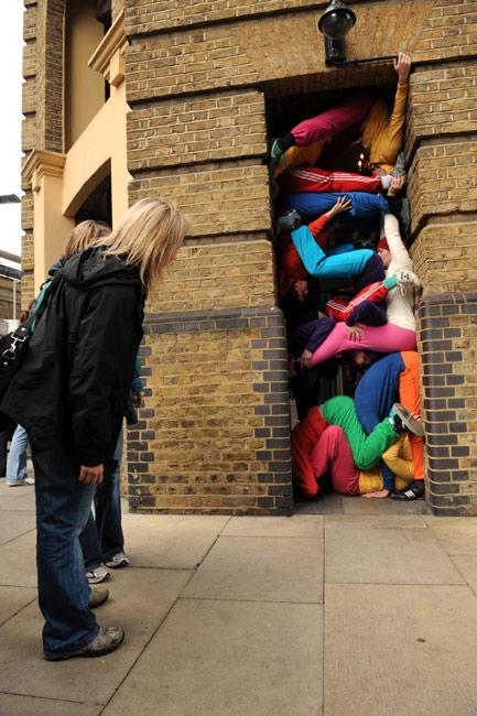 伦敦街头de人体行为艺术……